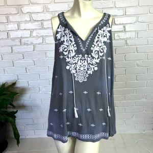 INC Gray Embroidered White Sleeveless Tank Top